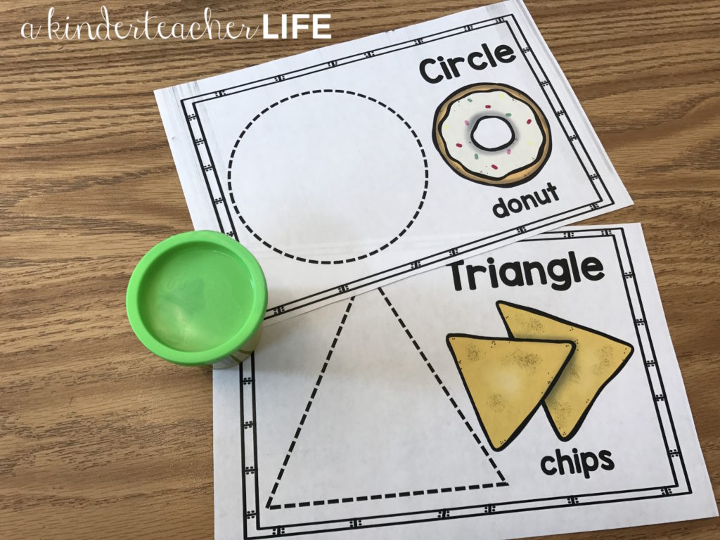 Building shapes using playdough